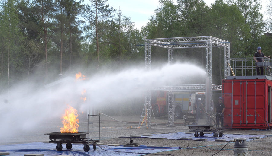 LASHFIRE tests Unifire AB's new autonomous fire fighting robot FlameRanger